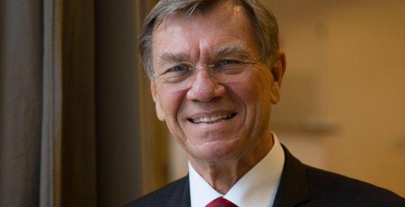Prof. Erland Erdmann